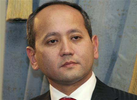 Dissident Kazakh oligarch Mukhtar Ablyazov is seen in Almaty in this November 27, 2006 file photo. AREUTERS/Vladimir Tretyakov