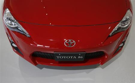 Toyota Motor Corp's Toyota 86 sports car is seen at the company's showroom in Tokyo August 1, 2013. REUTERS/Issei Kato