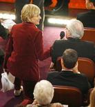 Ellen DeGeneres conversa con el director Martin Scorsese en la 79na. Entrega Anual de los Premios de la Academia en Hollywood, California, 25 febrero 2007. (Imagen de archivo) REUTERS/Gary Hershorn