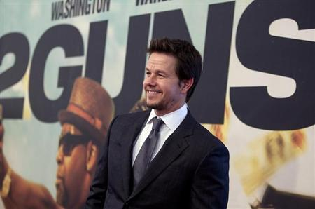 Actor Mark Wahlberg arrives for the premiere of the movie ''2 Guns'' in New York, July 29, 2013. REUTERS/Carlo Allegri
