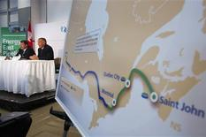 TransCanada President and CEO Russ Girling (2nd L) announces the new Energy East Pipeline during a news conference in Calgary, Alberta, in this August 1, 2013, file photo. REUTERS/Todd Korol/Files