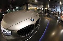 La coentreprise de BMW en Chine, BMW Brilliance Automotive, va rappeler 143.215 modèles de Serie 5 produits entre 2009 et 2012, en raison d'un défaut constaté dans le système de direction assistée. /Photo d'archives/REUTERS/Michael Dalder