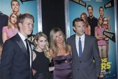 """(L - R) Cast members Will Poulter, Emma Roberts, Jennifer Aniston and Jason Sudeikis arrive for the premiere of the film """"We're the Millers"""" in New York, August 1, 2013. REUTERS/Keith Bedford"""