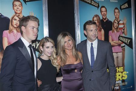 (L - R) Cast members Will Poulter, Emma Roberts, Jennifer Aniston and Jason Sudeikis arrive for the premiere of the film ''We're the Millers'' in New York, August 1, 2013. REUTERS/Keith Bedford