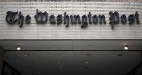 La empresa The Washington Post Co dijo el lunes que ha acordado vender su emblemático periódico a Jeff Bezos, el fundador de Amazon, por 250 millones de dólares. En la foto de archivo, el exterior de las oficinas centrales del diario en Washington. Mar 30, 2012. REUTERS/Jonathan Ernst