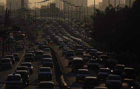 Vehicles are seen in a traffic jam during rush hour in Sao Paulo February 6, 2012. REUTERS/Nacho Doce