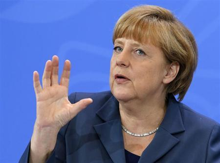 8月5日、ドイツ総選挙をめぐり、与党陣営の選挙対策責任者は、メルケル首相(写真)率いる保守政権に対する支持が野党よりかなり高いという結果が出ていても、投票日までの7週間の選挙戦は厳しいとの見方を示した。ベルリンで5月撮影(2013年 ロイター/Fabrizio Bensch)
