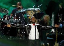 Usher performs during Quincy Jones' induction at the 2013 Rock and Roll Hall of Fame induction ceremony in Los Angeles April 18, 2013. REUTERS/Mario Anzuoni