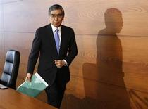 Bank of Japan Governor Haruhiko Kuroda leaves after a news conference at the BOJ headquarters in Tokyo July 11, 2013. REUTERS/Toru Hanai