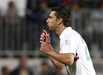 Atacante português Helder Postiga comemora gol partida pela seleção portuguesa em Luxemburgo. O Valencia anunciou nesta quinta-feira a contratação de Postiga, que estava no Real Zaragoza. 07/09/2012 REUTERS/Francois Lenoir