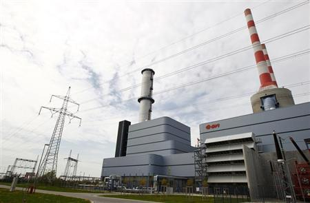 Gas-fired power plant of German utility giant E.ON is pictured in Irsching near the southern Bavarian town of Ingolstadt April 26, 2013. REUTERS/Michaela Rehle