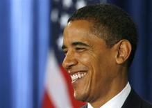 """IMAGEN DE ARCHIVO: El presidente de Estados Unidos, Barack Obama, quiere algo de """"espacio"""" para tomar una decisión sobre a quién nominar como presidente de la Reserva Federal para que reemplace a Ben Bernanke cuando su mandato expire en enero, dijo una fuente con conocimiento del proceso. REUTERS/John Gress (ESTADOS UNIDOS)"""