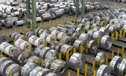 Salzgitter, le numéro deux allemand de la sidérurgie, va supprimer plus de 1.500 emplois dans le cadre d'un plan de restructuration censé lui permettre de renouer avec les bénéfices. /Photo d'archives/REUTERS/Fabian Bimmer
