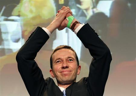 Bernd Lucke, one of three new elected party leaders of Germany's anti-euro party ''Alternative fuer Deutschland'' (Alternative for Germany) celebrates after his election during the first party congress in Berlin April 14, 2013. REUTERS/Fabrizio Bensch
