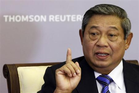 Indonesia's President Susilo Bambang Yudhoyono talks at a Reuters Newsmaker event in Singapore April 23, 2013. REUTERS/Edgar Su