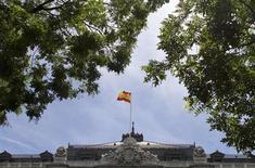 La Banque centrale espagnole, à Madrid. La dette publique espagnole a augmenté de plus de six milliards d'euros en juin, à 943,7 milliards d'euros (soit environ 91,1% du PIB selon les estimations de Reuters) et elle se rapproche de l'objectif fixé pour la fin de cette année en pourcentage du produit intérieur brut, qui est de 91,4%. /Photo d'archives/REUTERS/Paul Hanna