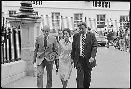 Former U.S. President Jimmy Carter (L), LaBelle Lance (C) and Office of Management and Budget Director Bert Lance walk into the White House in Washington together after the president returned from Camp David to hold a news conference expressing his support for Lance during an investigation of Lance's Georgia banking business in this August 18, 1977 White House handout photo. Lance died August 15, 2013 at his home in Georgia at the age of 82. REUTERS/The White House/Karl H.