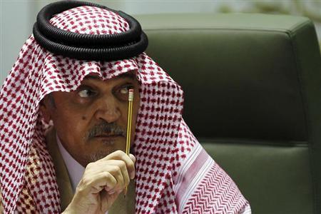 8月19日、サウジアラビアのサウド外相は、西側諸国がエジプトへの支援を打ち切った場合、サウジアラビアとして不足分を補う方針を明らかにした。リヤドで1月撮影(2013年 ロイター)