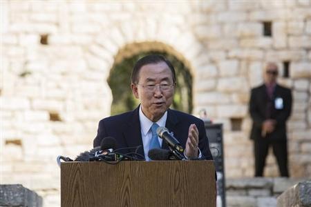 U.N. Secretary-General Ban Ki-moon speaks in front of international students participating in a model United Nations Conference at the U.N. compound in Jerusalem August 16, 2013. REUTERS/Baz Ratner
