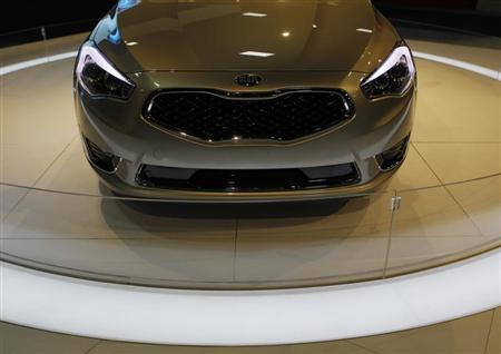 The front end of a 2014 Kia Cadenza is seen at the Washington Auto show February 6, 2013. REUTERS/Gary Cameron