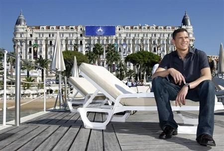 Actor Wentworth Miller, star of the drama series ''Prison Break'', poses during a photo-call in Cannes, south-eastern France, October 9, 2006. REUTERS/Eric Gaillard/Files