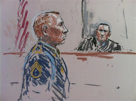 Army Staff Sergeant Robert Bales and the judge, Army Colonel Jeffery Nance (R) are shown in this courtroom sketch during a pre-sentencing hearing in Tacoma, Washington, August 19, 2013. REUTERS/Peter Millet