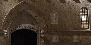 Sede do banco Monte Dei Paschi em Siena. O regulador de mercado de capitais italiano, Consob, alegou no início do ano que o banco Monte dei Paschi di Siena dificultou a atividade dos reguladores, fornecendo informações incompletas ou incorretas em 2012, quando sua nova diretoria já estava no comando. 24/01/2013. REUTERS/Stefano Rellandini