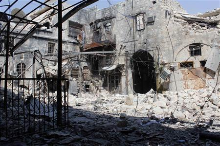 The rubble of a building is pictured in Khan Al-wazir in old Aleppo, August 25, 2013. REUTERS/Molhem Barakat