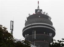 Torre de comunicações no centro de tecnologia da Telekom Austria em Viena, 27 de agosto de 2013. O governo da Áustria deve manter sua posição como maior acionista da Telekom Austria, à frente de Carlos Slim, se a empresa decidir aumentar o capital, disse o presidente do conselho dos trabalhadores da companhia. REUTERS/Heinz-Peter Bader