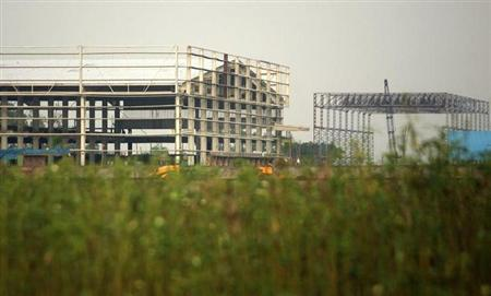 A view of a factory shade of Tata Motors, seen in Singur 50 km (32 miles) north of Kolkata August 7, 2008. REUTERS/Jayanta Shaw/Files