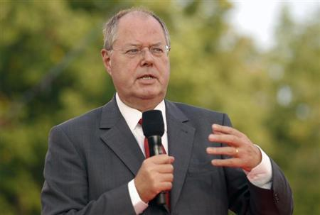 Social Democratic (SPD) top candidate Peer Steinbrueck addresses an election campaign event in the western city of Muenster August 29, 2013. REUTERS/Ina Fassbender