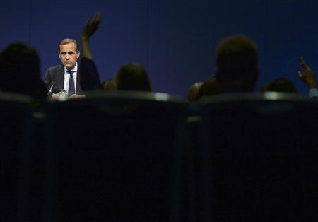 Bank of England governor Mark Carney pauses during a news conference after addressing business leaders in Nottingham, central England August 28, 2013. REUTERS/Nigel Roddis/Pool