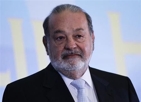 Mexican billionaire Carlos Slim looks on before he gives a speech at Mexico's school of engineers during an event to mark the 50th anniversary of his engineering degree, in Mexico City May 28, 2013. REUTERS/Henry Romero