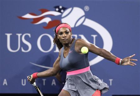 Serena Williams of the U.S. prepares to hit a forehand to Yaroslava Shvedova of Kazakhstan at the U.S. Open tennis championships in New York early August 31, 2013. REUTERS/Shannon Stapleton