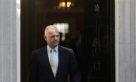 Britain's Foreign Secretary William Hague leaves 10 Downing Street in London August 29, 2013. REUTERS/Suzanne Plunkett