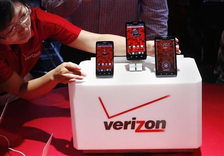The Droid Mini, Droid Ultra and Droid Maxx are seen on display during the Verizon Wireless media event in New York July 23, 2013. REUTERS/Shannon Stapleton