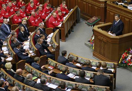 Ukrainian President Viktor Yanukovych addresses deputies during a new session of the Parliament in Kiev September 3, 2013. REUTERS/Gleb Garanich