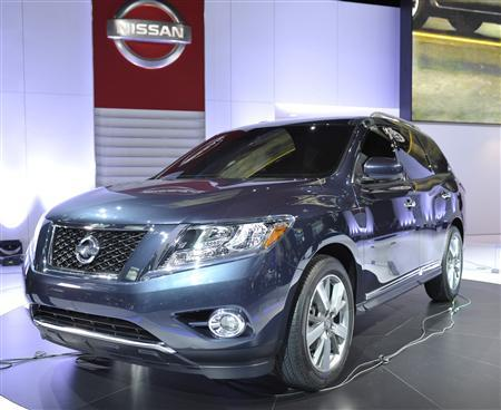 The Nissan Pathfinder concept vehicle is displayed on the final press preview day for the North American International Auto Show in Detroit, Michigan, January 10, 2012. REUTERS/Mike Cassese