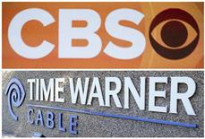 Imagen de archivo de los logos combinados de CBS y Time Warner. La cadena estadounidense CBS Corp anunció el lunes que finalmente llegó a un acuerdo con Time Warner Cable Inc para poner fin a una interrupción de un mes en la señal de sus estaciones en Nueva York, Los Angeles y Dallas. REUTERS/Bret Hartman/Files (CBS) y REUTERS/Mike Blake/Files (Time Warner)