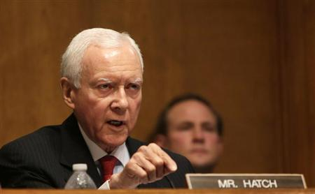 Senator Orrin Hatch (R-UT), the co-chair of the Senate Finance Committee, questions witnesses during testimony in Washington May 21, 2013. REUTERS/Gary Cameron