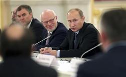 El presidente ruso, Vladimir Putin, durante una reunión en el Kremlin en Moscú, sep 4 2013. El orgullo de Rusia por el compositor Pyotr Tchaikovsky, aunque era gay, es una prueba de que el país no discrimina a los homosexuales, dijo el miércoles el presidente Vladimir Putin. REUTERS/Maxim Shipenkov/Pool