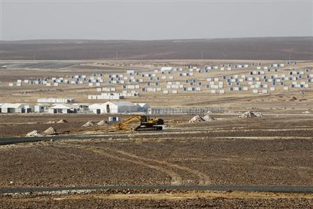 A general view of the Azraq Syrian Refugee Camp, the third of its kind, under construction near Al Azraq, 80km (50 miles) east of Amman, September 1, 2013. REUTERS/Muhammad Hamed