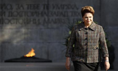 Brazil's President Dilma Rousseff walks after laying a wreath at the Tomb of the Unknown Soldier during an official welcoming ceremony in Sofia October 5, 2011. REUTERS/Stoyan Nenov