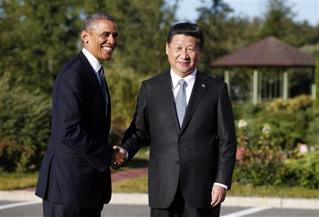 U.S. President Barack Obama shakes hands as he meets with China's President Xi Jinping at the G20 Summit in St. Petersburg September 6, 2013. REUTERS/Kevin Lamarque