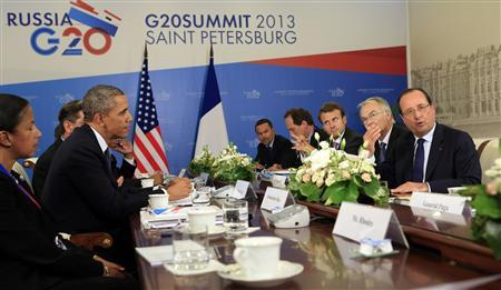 U.S. President Barack Obama meets with French President Francois Hollande at the G20 Summit in St. Petersburg, Russia September 6, 2013. REUTERS/Kevin Lamarque