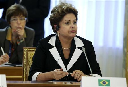 Brazil's President Dilma Rousseff attends the first working session of the G20 Summit in Constantine Palace in Strelna near St. Petersburg, September 5, 2013. REUTERS/Sergei Karpukhin