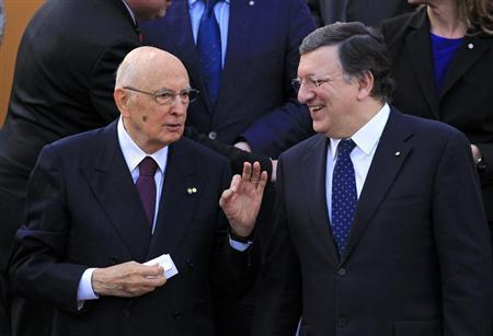 Italian President Giorgio Napolitano (L) discuss with EU Commission President Jose Manuel Barosso (R) before a family photo during the celebration of the accession of Croatia to the European Union at St. Mark's Square in Zagreb June 30, 2013. REUTERS/Antonio Bronic
