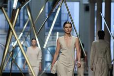 Models present creations from the Jason Wu Spring/Summer 2014 collection during New York Fashion Week, September 6, 2013. REUTERS/Lucas Jackson