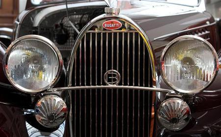 The radiator of a 1931 Bugatti Type 49 Cabriolet by Beutler car is pictured during an auction at the Oldtimer Galerie in the village of Toffen near Bern May 8, 2010. REUTERS/Arnd Wiegmann