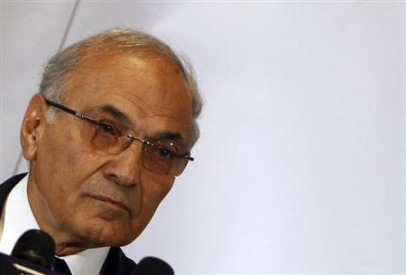 Former Prime Minister Ahmed Shafiq addresses a news conference in Cairo June 3, 2012. REUTERS/Amr Abdallah Dalsh